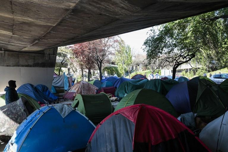 Paris : début de l'opération d'évacuation du plus grand campement de migrants