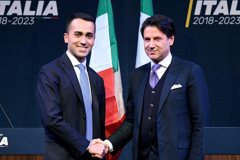 Giuseppe Conte (à droite) en compagnie de Luigi di Maio, leader du Mouvement 5 étoiles (©FILIPPO MONTEFORTE - AFP)