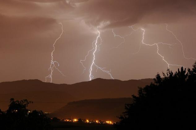 Dans le Lot-et-Garonne, les orages ont été d'une rare violence (©Philippe Huguen - AFP)