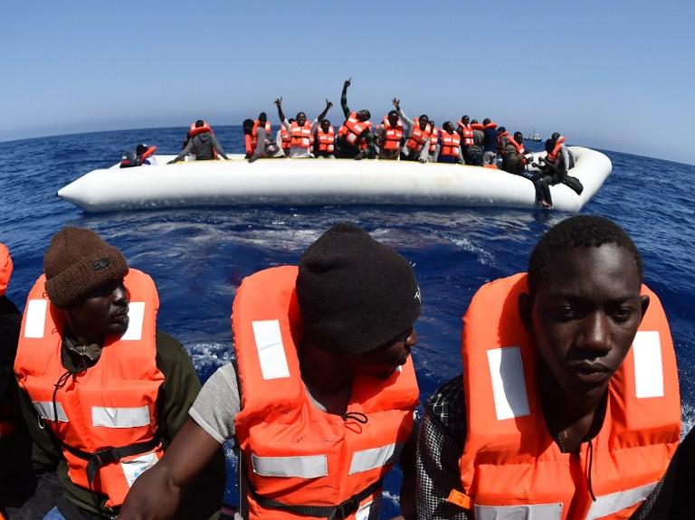 Migrants en mer Méditerranée (©GABRIEL BOUYS - AFP)