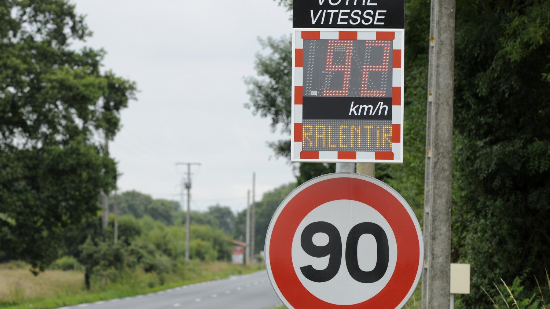 Panneau 90km/h route nationale